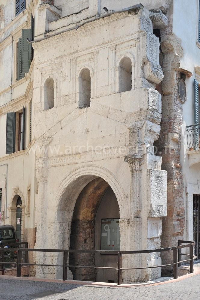 Porta Romana Dei Leoni Verona Scheda Estesa
